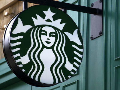 starbucks plans to hire 25,000 veterans
