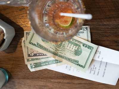 restaurant tipping laws