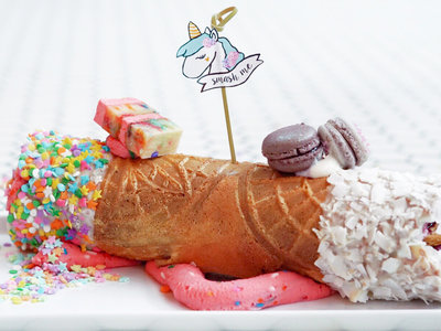 unicorn cannoli unicornoli