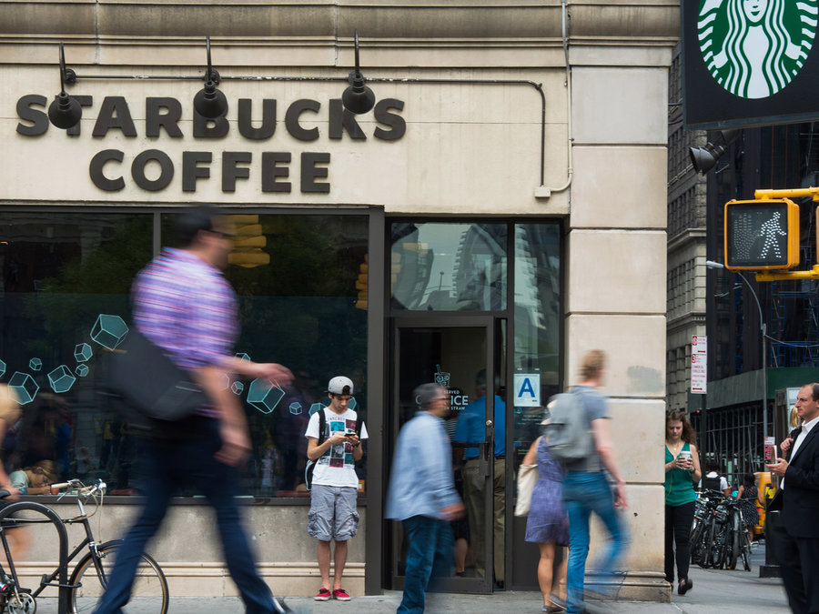 Starbucks to Hire 10000 Refugees