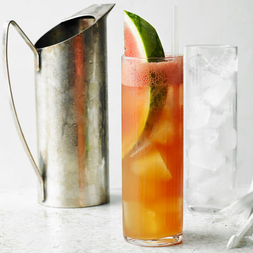 How to make a pitcher of vodka tonic
