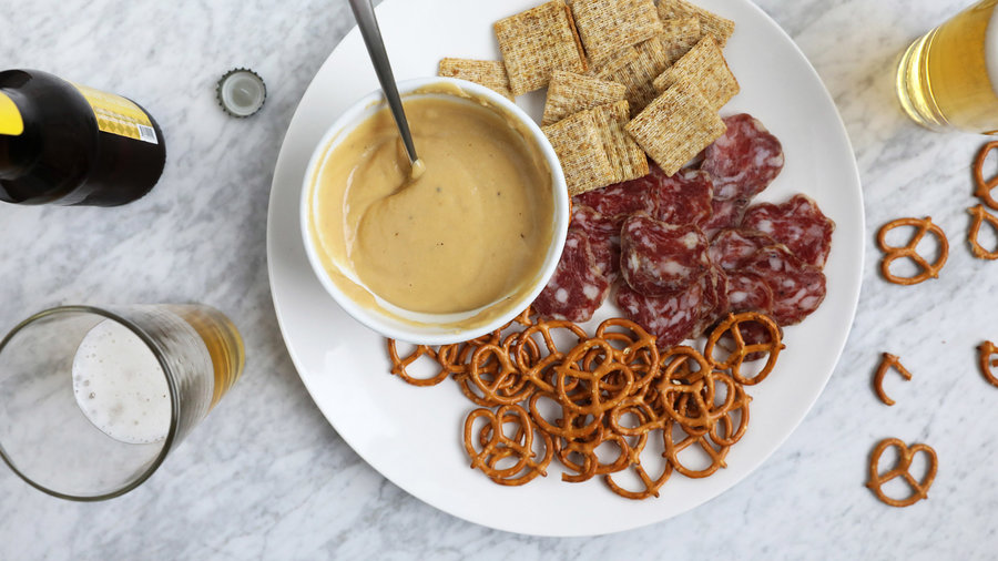 Warm Beer and Cheese Dip