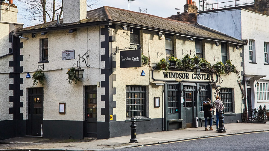 the-windsor-castle-best-london-pubs-FT-SS0217.jpg