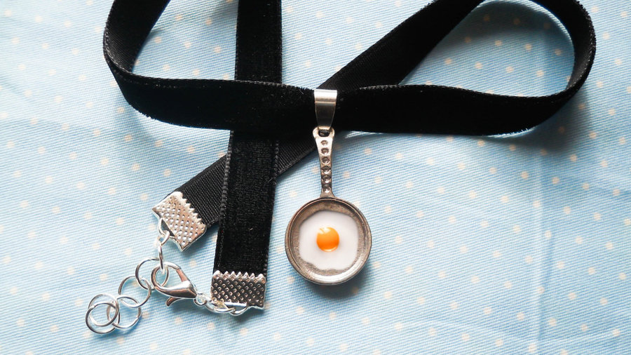 Fried Egg Choker Necklace