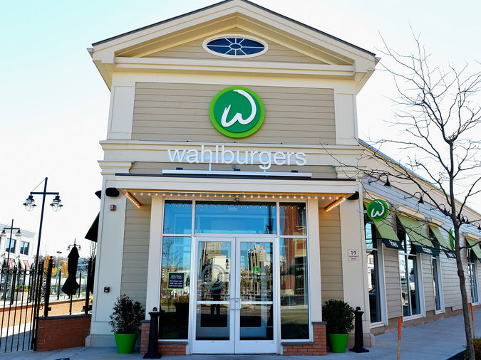 Donnie Wahlberg, Wahlburgers