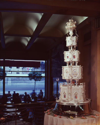 King Constantine wedding cake