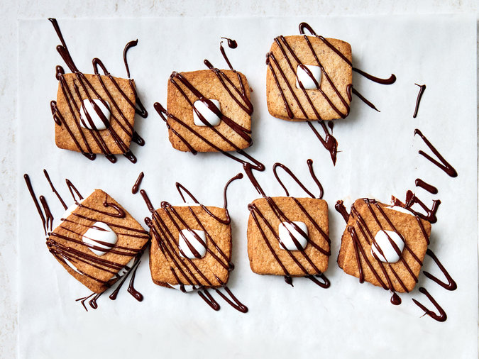 S'mores Linzer Cookie