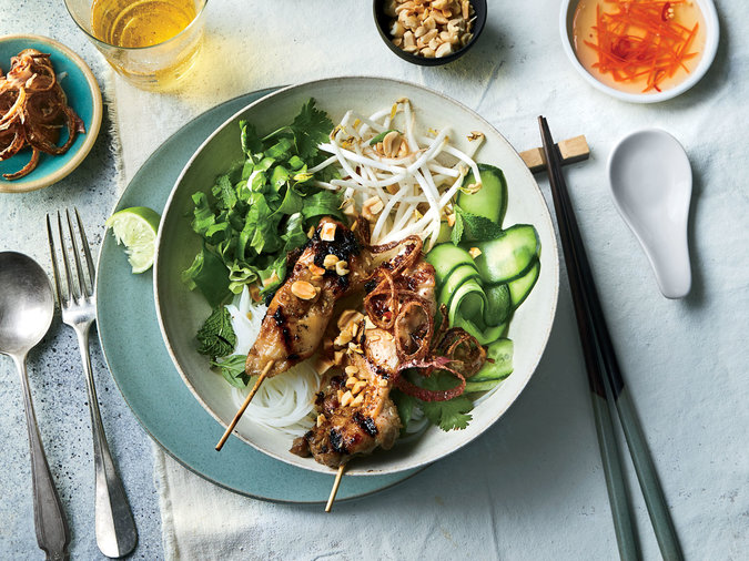 rice-noodle-salad-bowls-with-grilled-lemongrass-chicken-ft-RECIPE0219.jpg