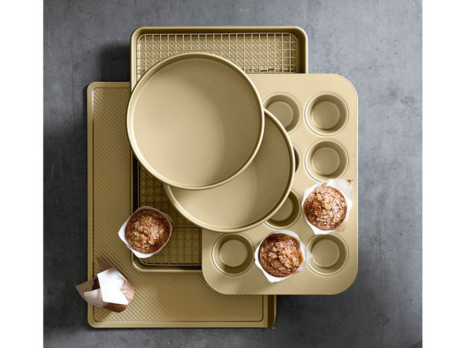 goldtouch baking pans