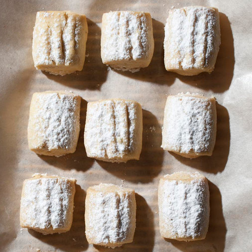 Butter Cookies with Clove Sugar