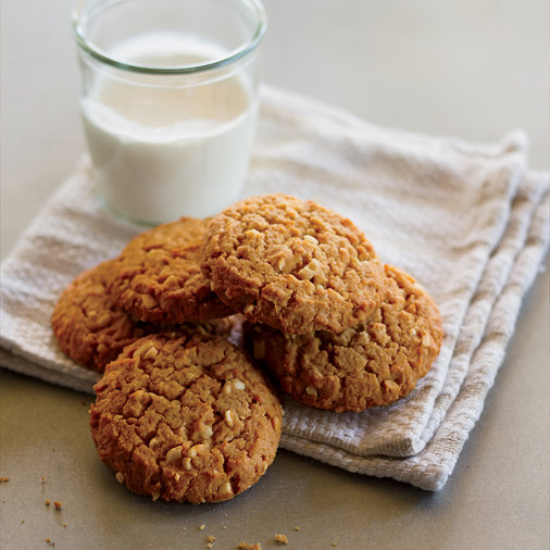 <p>Chunky Peanut Butter Cookies</p>