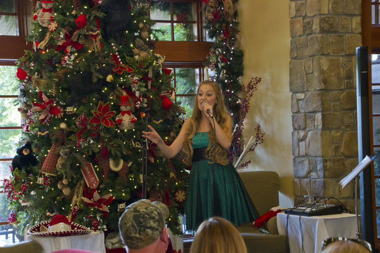 Concerts Inn at Christmas Place