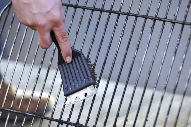 grill-brush-bristle-clean