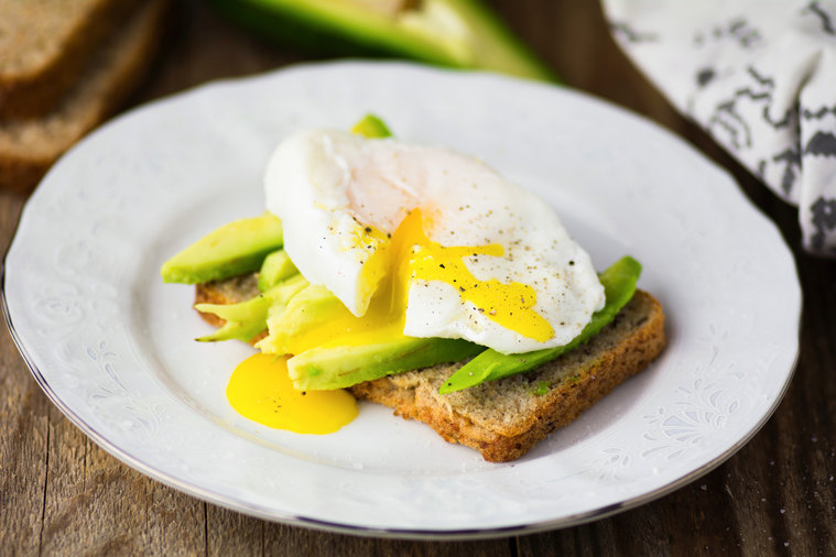 egg-avocado-breakfast