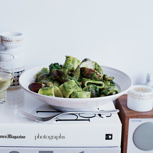 rigatoni-with-clams-sausage-and-broccoli-rabe-XL-WNBOOK2014.jpg
