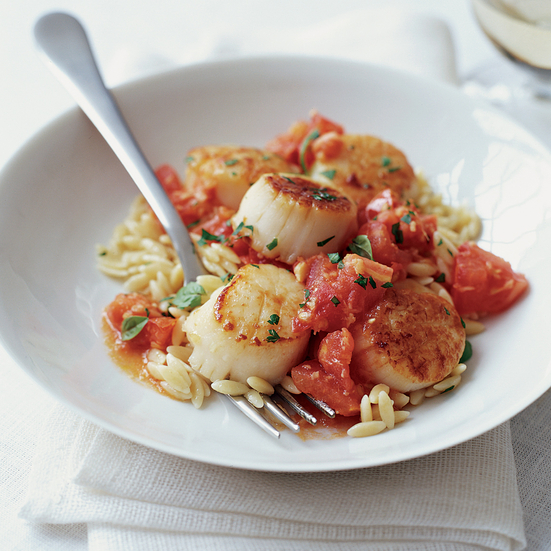Scallops with Orzo, Tomatoes and Ginger