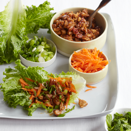 Stir-Fried Chicken in Lettuce Leaves