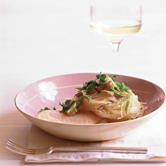 Steamed Fish with Mushrooms and Noodles