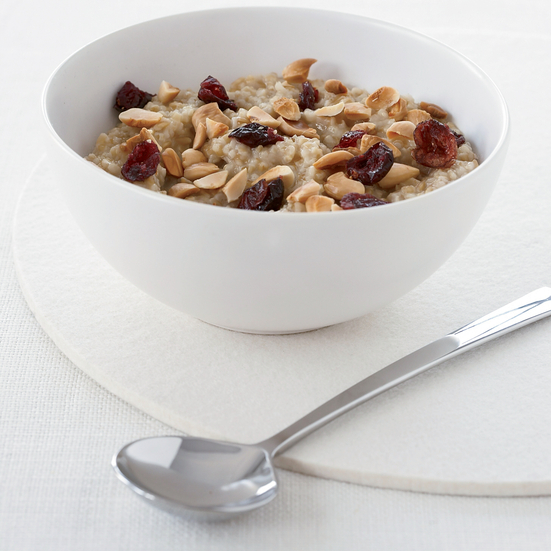 Overnight Oatmeal with Almonds and Dried Cranberries