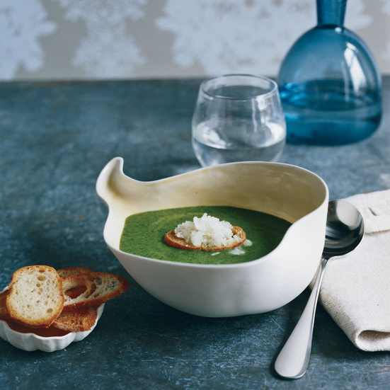 Spinach soup with horseradish granité