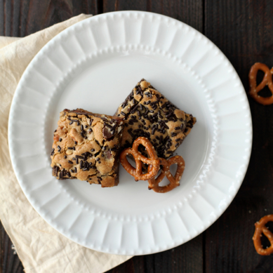 Chocolate Chip-Pretzel Bars