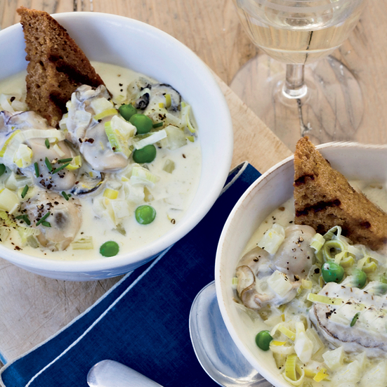 Creamy Oyster Stew with Fennel and Brown Bread Toasts