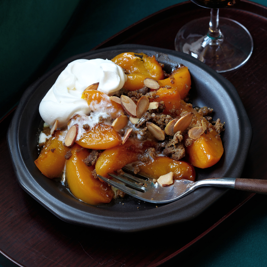 Peach-Gingersnap Crisp