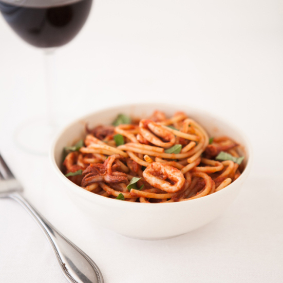 Spaghetti with Squid in Tomato Wine Sauce