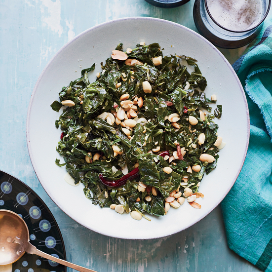 Sautéed Collard Greens with Roasted Peanuts