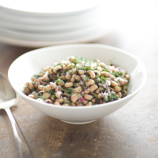 Black-Eyed Pea Salad with Red Onions and Dill (Salata Mavromatika)