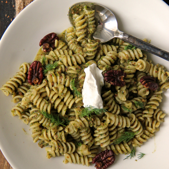 Dill-Pecan Pesto with Pasta Spirals and Sour Cream