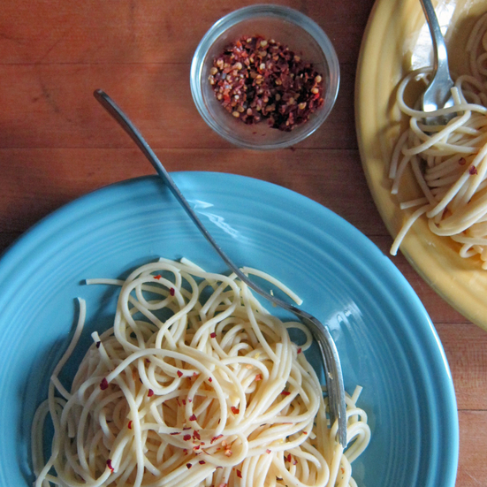 Spaghetti with lemon and butter