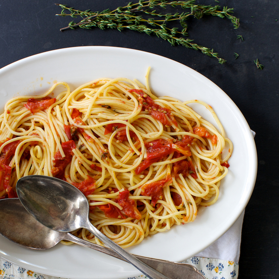 Spaghetti with Quick-Roasted Tomato Sauce and Balsamic Vinegar