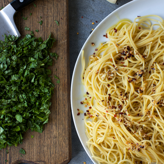Spicy Spaghetti with Many Herbs