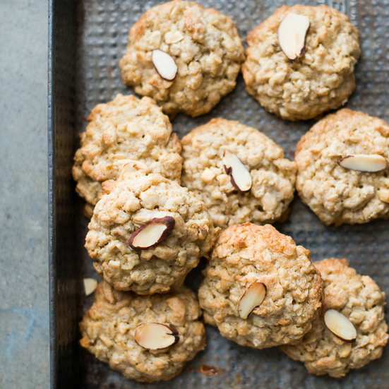 Oatmeal Cookies with Toasted Almonds