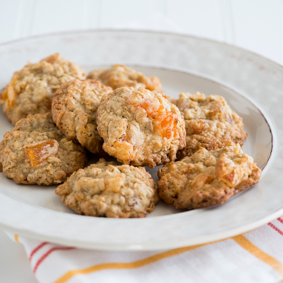 Oatmeal Cookies with Dried Apricots