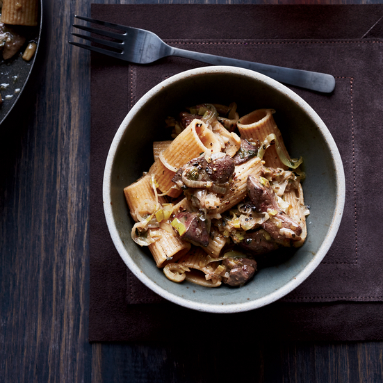 Spelt Rigatoni with Chicken Livers, Leeks and Sage
