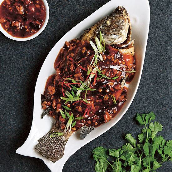 Fish in chili sauce recipe kei lum diora fong chan for Cooking with fish sauce