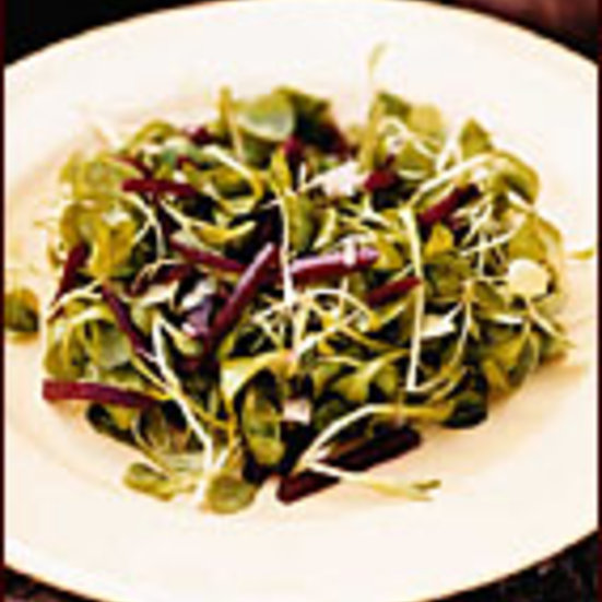 Mâche Salad with Beets