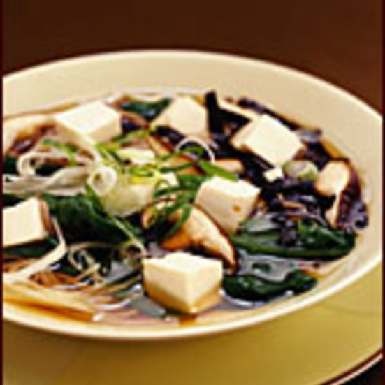Warm Soba in Broth with Spinach and Tofu