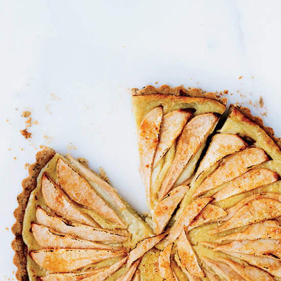 Pear Tart with Vanilla Cream and Black Tea Crust