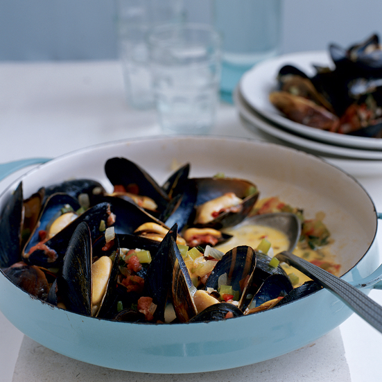 Mussels with Tomatoes and Feta