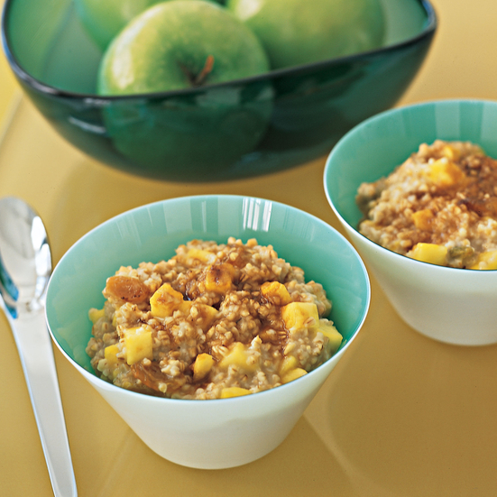 Oatmeal with Pineapple and Golden Raisins