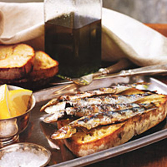 Fresh sardines on grilled bread recipe quick from for How to bread fish