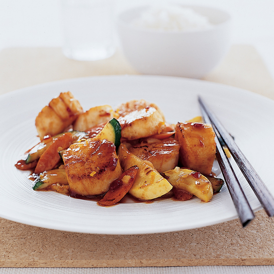 Wok-Seared Scallops with Tangerine Sauce