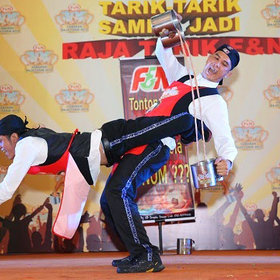 Food & Wine: Malaysian Millennials Love Teh Tarik, the Tea That Inspires Dance Competitions