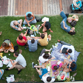 Food & Wine: The Tourist's Guide to the Perfect Paris Picnic