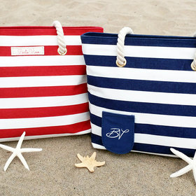 Food & Wine: This is the Beach Tote Wine Fanatics Need This Summer