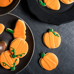 Food & Wine: Forget Apple Pie—Bat and Pumpkin Cookies Are the Ultimate Fall Dessert
