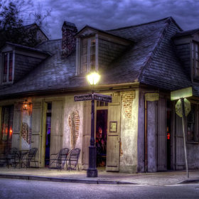 Food & Wine: 9 of the World's Most Haunted Bars to Drink in on Halloween